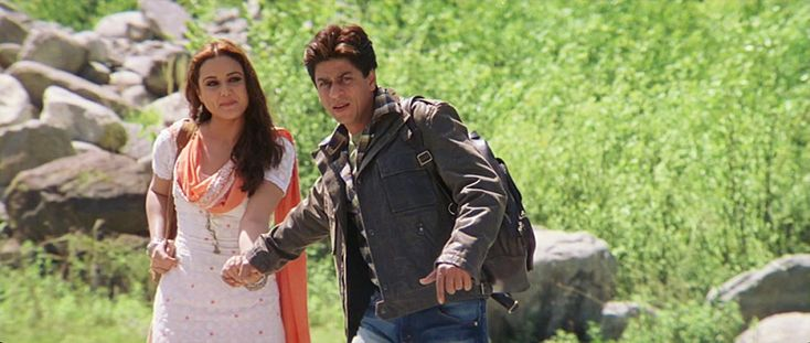 Veer-Zaara | Preity Zinta and Shah Rukh Khan | It's Complicated: 5 Favorite Films Highlighting the India-Pakistan Relationship http://www.fallinginlovewithbollywood.com/2016/08/its-complicated-5-favorite-films-highlighting-the-india-pakistan-relationship.html