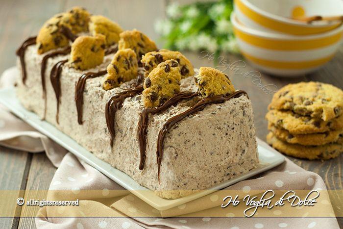 Semifreddo cookies, facile e velocissimo da fare. Senza gelatiera, solo 3 ingredienti, panna, biscotti cookies e cioccolato. Sempre pronto in freezer.