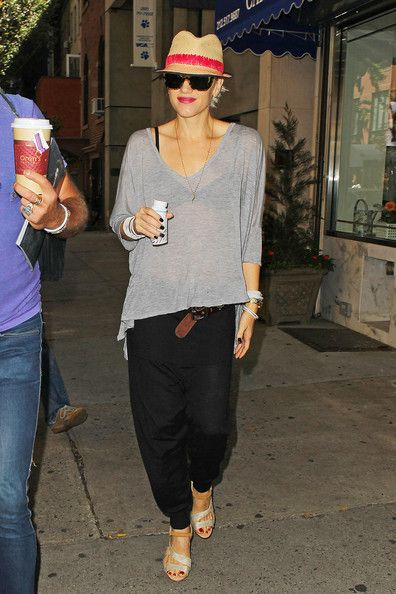 I love her casual style...minus the heels!