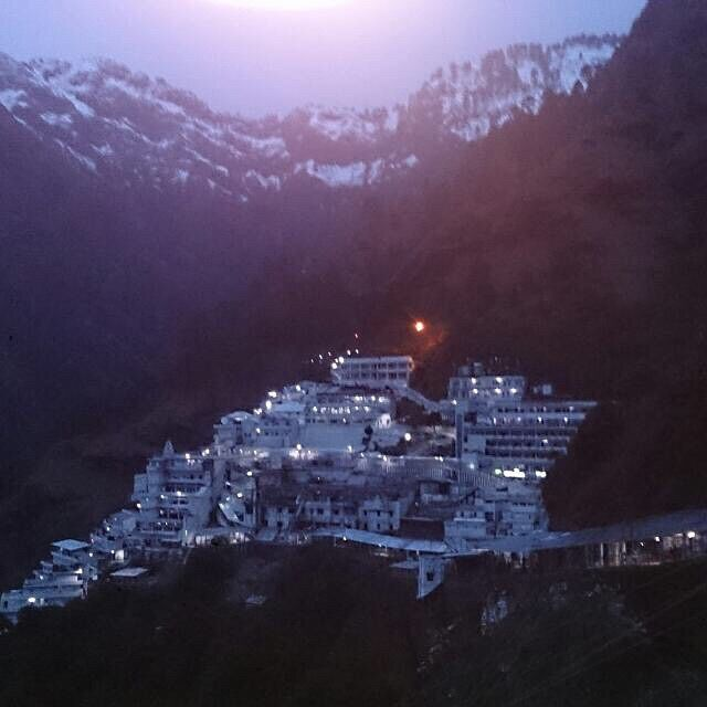 "19 Likes, 3 Comments - रक्षित Sharma® (@raks_hit) on Instagram: ""maa vaishno ka bhawan☺️ happy #navratras #jaimatadi"""