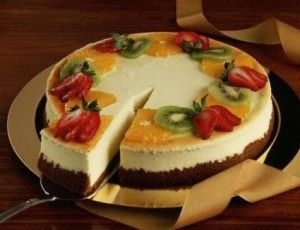 Творожный торт с консервированными фруктами