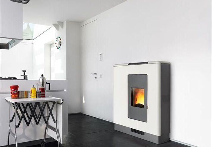 Piazzetta Pellet Heater P936 in Bianco Antico | White