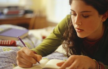Let your creative spirit flow and put pen to paper to share your experience living with hearing loss!