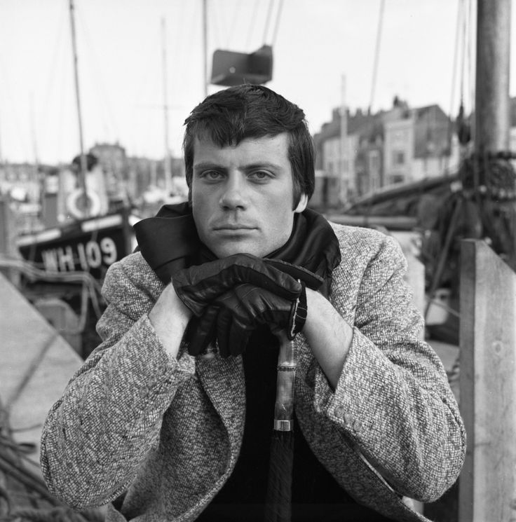 Oliver Reed on location in Weymouth, Dorset for Joseph Losey's edgy sci-fi film 'The Damned' (1961).