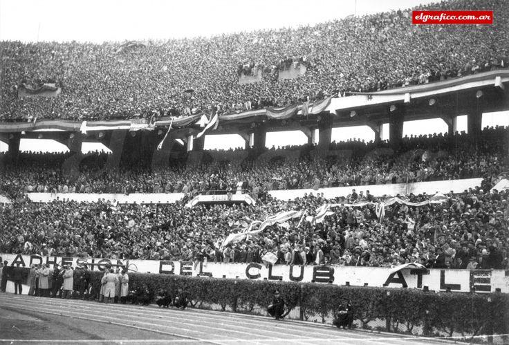 1954. River - Boca con las dos hinchadas