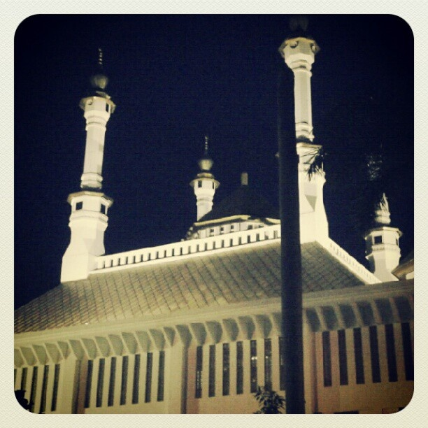 Mesjid agung #tasikmalaya #instagram #andrography #photodroid #indonesia #mosque - @julian c- #webstagram