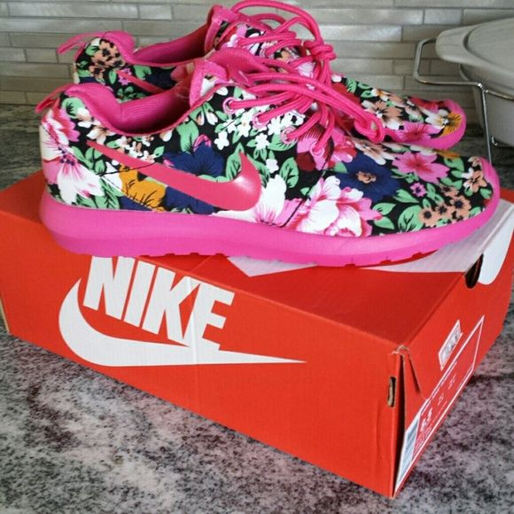 Pink flower nike floral roshe runs Size 8.5 nike roshe run new in box Nike Shoes