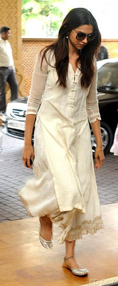 Deepika Padukone at the prayer meet of Priyanka Chopra's father #Bollywood