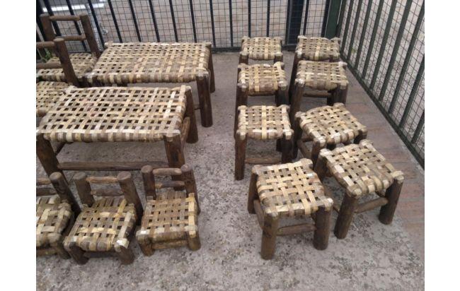 Bancos tipo rústico. Decoración Estilo Campo para tu casa en http://www.alamaula.com/q/muebles+rusticos/S9G1F1 #Decoración #Hogar #Country #Campo #Tendencias
