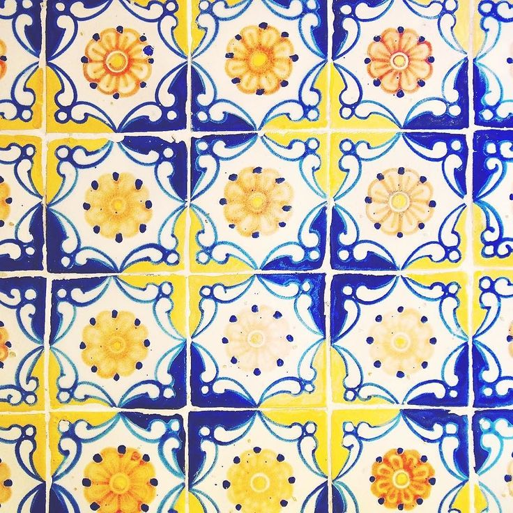 2017 projects include figuring out how to (p)retire and live a lush life à la Robert Brady surrounded by tiles like this #cuernavaca #mexico #cdmxmas