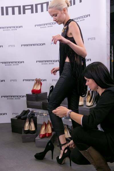 Marta Sędzicka w butach PM na pokazie finałowym TOP MODEL