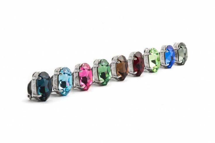 Krikor Licht groene oorclips met 18 x 14 mm peridot Swarovski Elements kristallen
