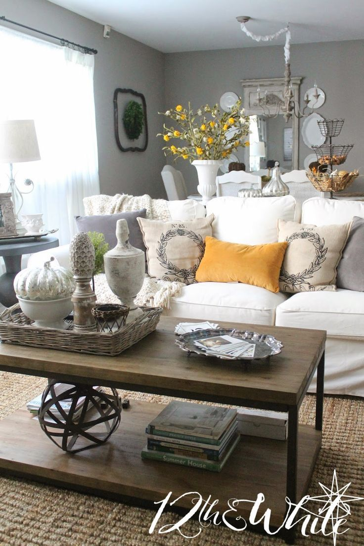fall pillow styling ideas via a blissful nest