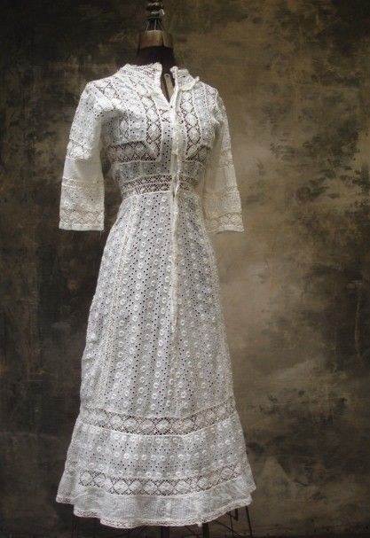 Victorian lace... Love the simple shape and the beautiful lace....