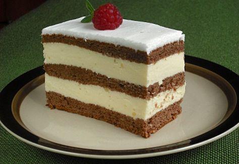 Krémes csokoládés piskóta recept képpel. Hozzávalók és az elkészítés részletes leírása. A krémes csokoládés piskóta elkészítési ideje: 61 perc