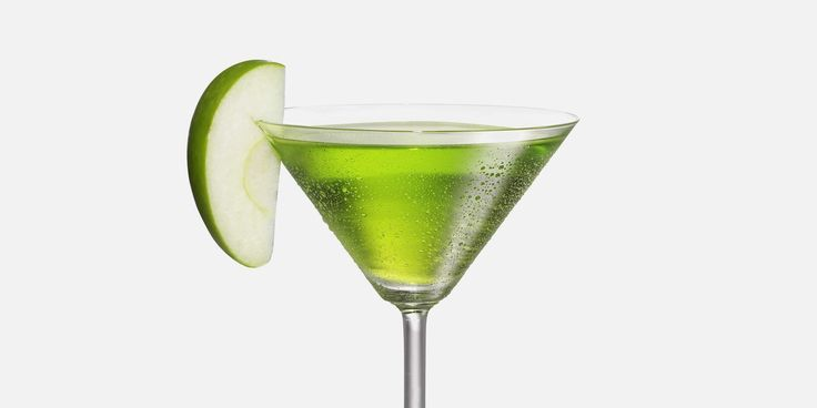 Mix up a Sour Apple Martini, made with 7UP®, today. Mix freely, drink responsibly.