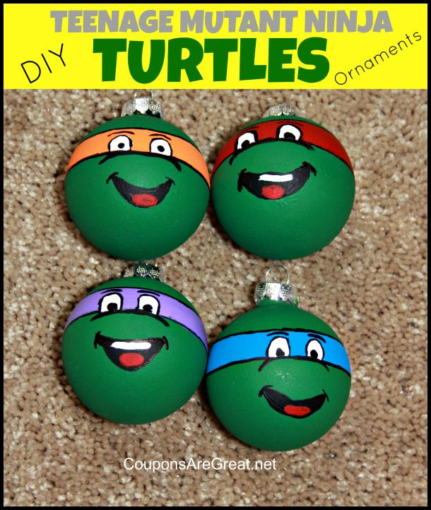 This Teenage Mutant Ninja Turtles ornaments breaks down exactly how to make these ornaments. Its way easier than you would think! #tmnt #christmas #craft