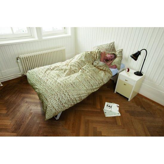 ... Pinterest - Lichtgrijze Slaapkamers, Beige Gordijnen en Bruin Bedden
