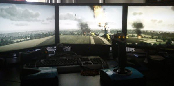 Flight and racing simulation on ATI Eyefinity.