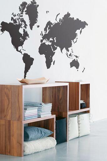 Ferm Living Musta Ferm Living Stickers World Map -sisustustarra