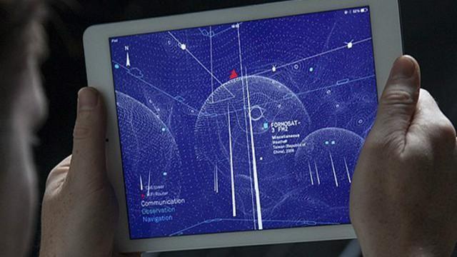 Los dispositivos inalámbricos, como teléfonos móviles, tabletas y ordenadores portátiles envían señales que están a nuestro alrededor, pero son completamente invisibles a simple vista, ya que exist...