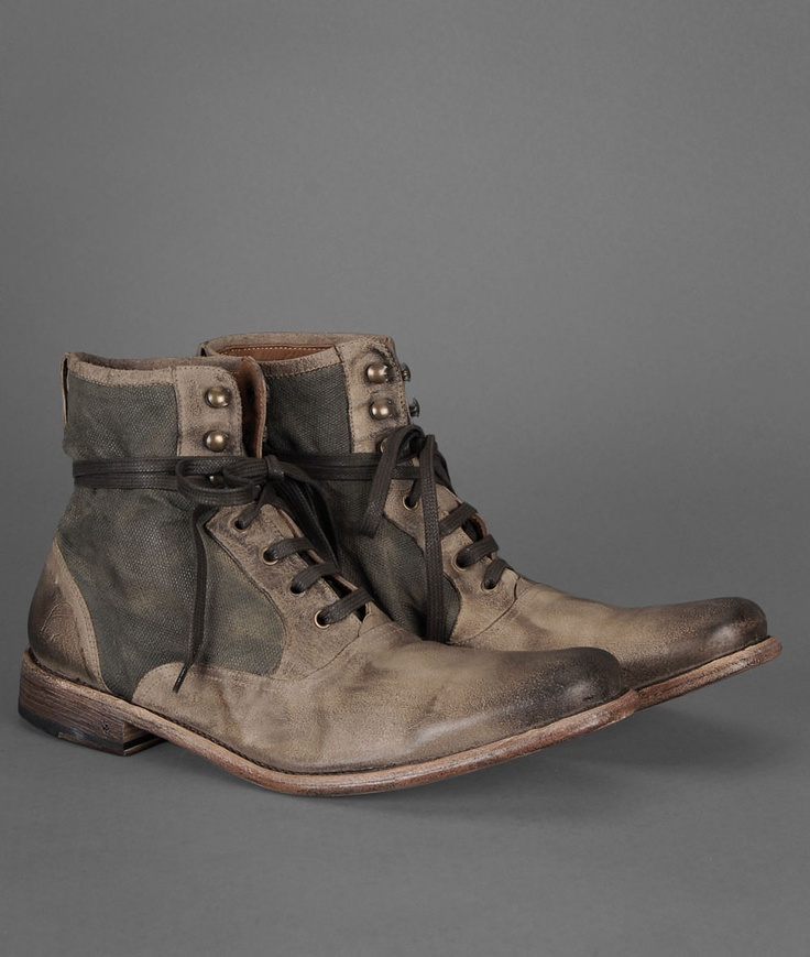 To get these sorta shoes, I either go work in a mine or pay 700 bucks.