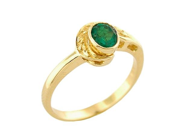 Bezel set emerald ring custom made in 18K yellow gold in solitaire ring design for a 0.30 Ct. oval shape natural Colombian emerald by www.GreenInGold.com #emeralds #rings