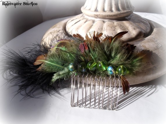 Peacock Feather Hair CombVeronicaFree by RainwaterStudios on Etsy, $12.00Peacock Feathers, Hair Combveronicafre, Anna Delphia, Delphia Bridal, Feathers Hair, Peacocks Feathers, Hair Combs