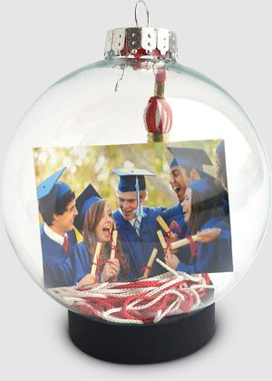 Making an ornament is a great way to ensure that the graduation tassel doesn't end up packed away and forgotten. You can print the photo at Kodak Picture Kiosk. #graduation #photography #ideas #diy #craft