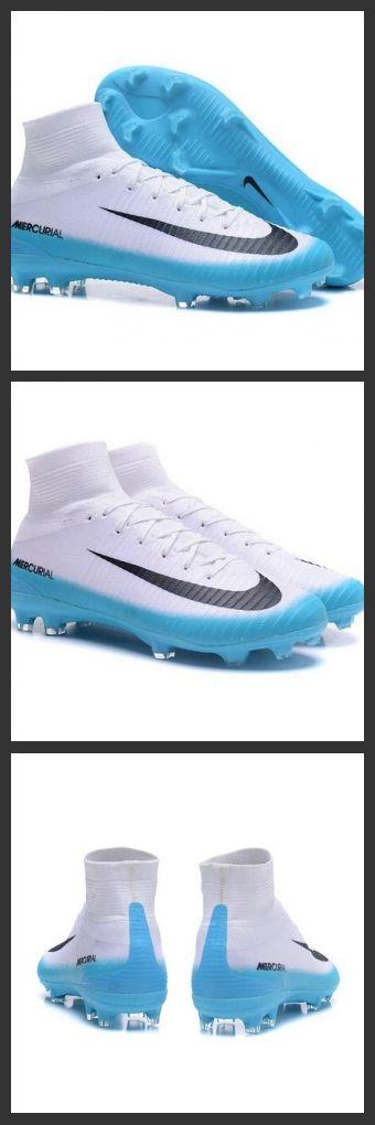 Nuove Scarpa da calcio Nike Mercurial Superfly V FG Bianco Blu Nero.La scarpa da calcio per terreni duri Nike Mercurial Superfly V - assicura la massima stabilità e un tocco di palla eccezionale. I tacchetti sono espressamente progettati per una trazione superiore sui campi in erba corta.