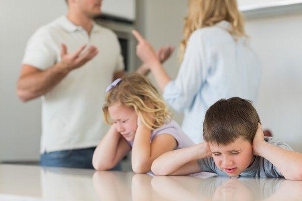 Fiecare parinte greseste intr-o anumita masura, insa trebuie sa stii ca uneori cuvintele il pot afecta emotional pe copil. Afla ce enunturi nu trebuie utilizate.
