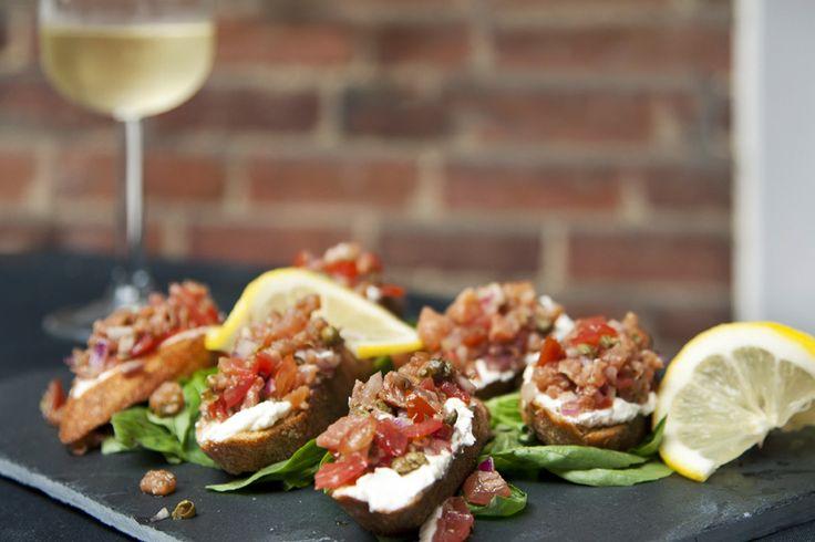 Crostinis de bruschetta au saumon fumé | .recettes.qc.ca
