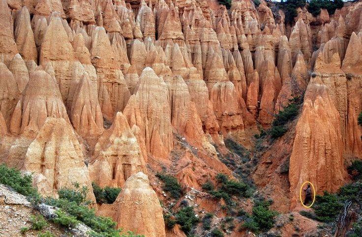 Ένα εντυπωσιακό γεωλογικό φαινόμενο, μοναδικό σε όλη την Ελλάδα, που καταδεικνύει την… καλλιτεχνική διάθεση της φύσης!