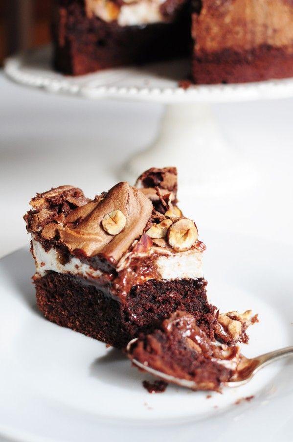 Gâteau chocolat noisettes meringué/Chocolate Hazelnut Meringue Cake (Recipe in French) - La Popotte de Manue