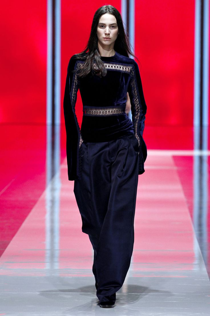 Christopher Kane Fall 2013 Ready-to-Wear Collection Photos - Vogue