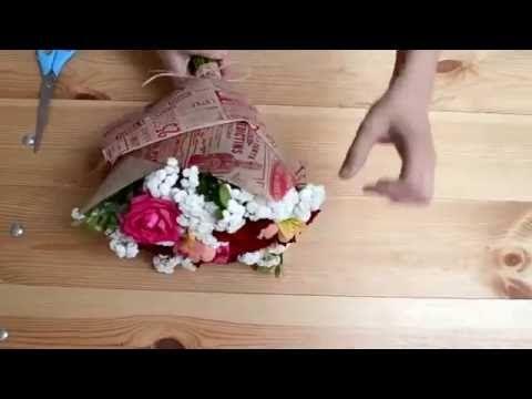 Букет в КРАФТ-Бумаге из Кустовых РОЗ и Хризантем. | Школа флористики Амстердам - YouTube