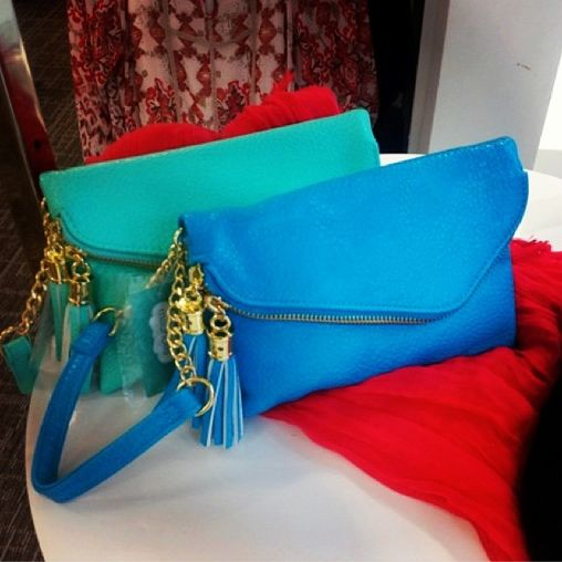 Decisions, decisions... #Sarnia, help! Which #clutch do you prefer from @maurices for spring? The #turquoise or the #blue? Comment below to enter to WIN a $100 Gift Card and be sure to hashtag #DIBLM with your answer!