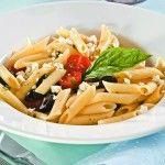 Pasta mediterránea con albahaca