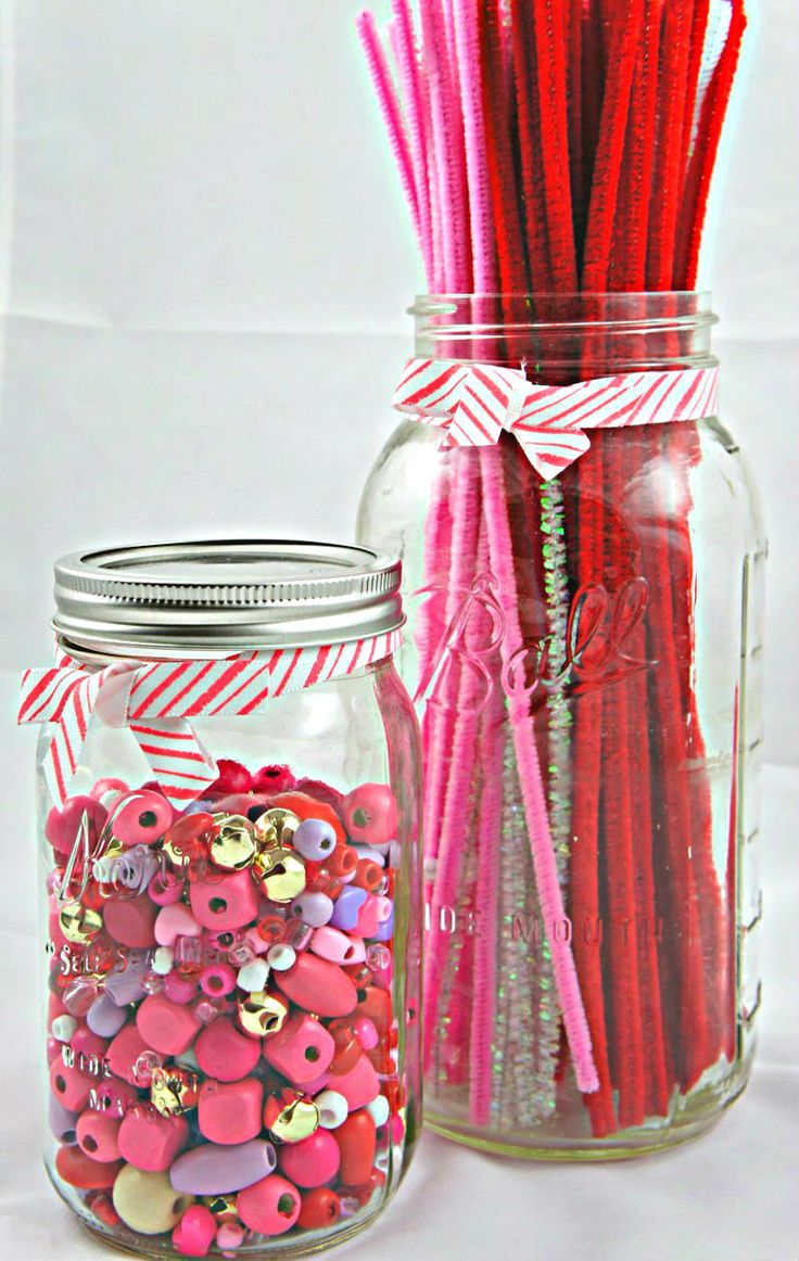 Quick crafts for your kids: Beads and Pipe Cleaners from @seekingshade for your 2 supply tuesday!