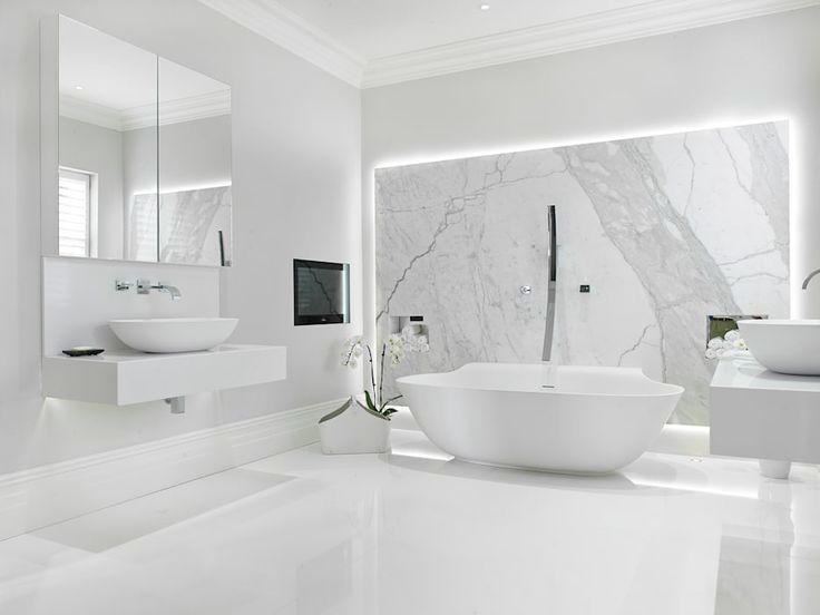 Fallstudie: New Lodge, Fulham: modernes Badezimmer von BathroomsByDesign Retail Ltd