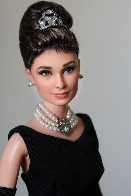 audrey hepburn  barbie doll  breakfast at tiffany's  Artist: Noel Cruz