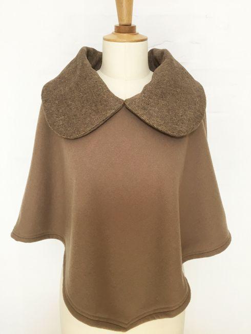 cape femme col croisé noeud laine cachemire liberty mode vintage carreaux hiver couture création british camel