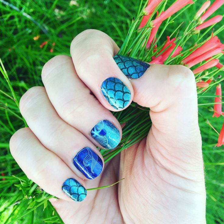 Love this stunning #sapphireseajn #jamicure from Volume 1 of the Disney Collection by Jamberry! #Jamberry #nails #disney #disneycollectionbyjamberry
