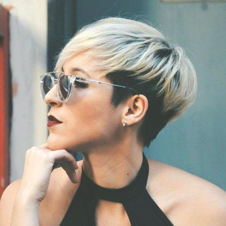 Home »Pixie Haircuts» Wenn Sie über 40 Jahre alt sind, denken Sie daran, dass ein kurzer, trendiger Haarschnitt, der auf Ihr Gesicht zugeschnitten …