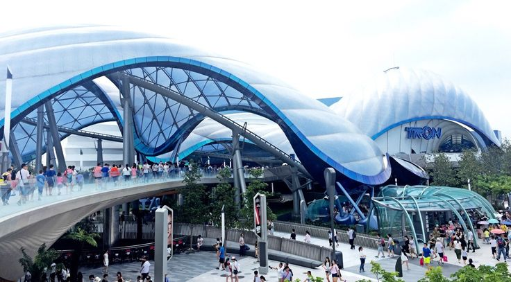 The best rollercoaster eveeerrrrr!! Tron at Shanghai's Disneyland