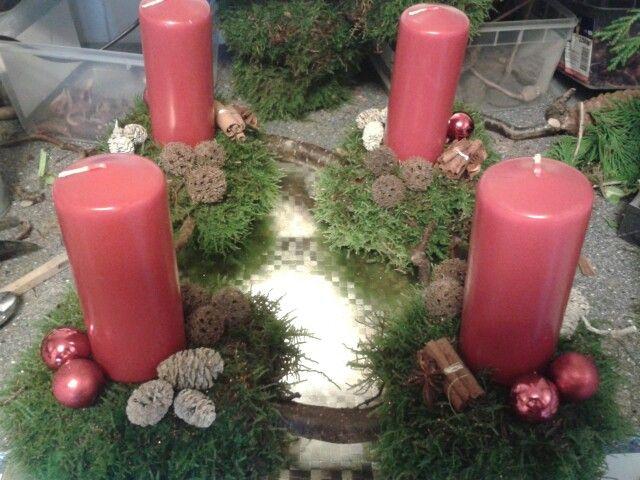 Adventskrans med troldhassel