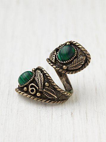 ☮ ➳ American Hippie Bohemian ➳ ☮   Spiral Ring ..  Boho Bohéme Feathers Gypsy Spirit