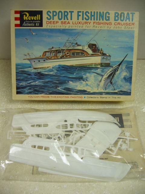 Rare vintage revell chris craft sport fishing boat kit 1 for Fishing cabin kits