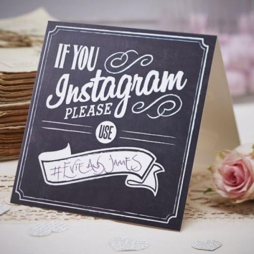 Få gjestene dine til å dele bildeminnene fra bryllupsfesten på instagram med egen # 5 skilt i pakken.