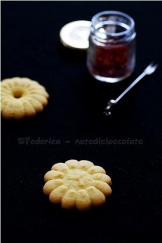 Note di cioccolato: biscotti allo zafferano